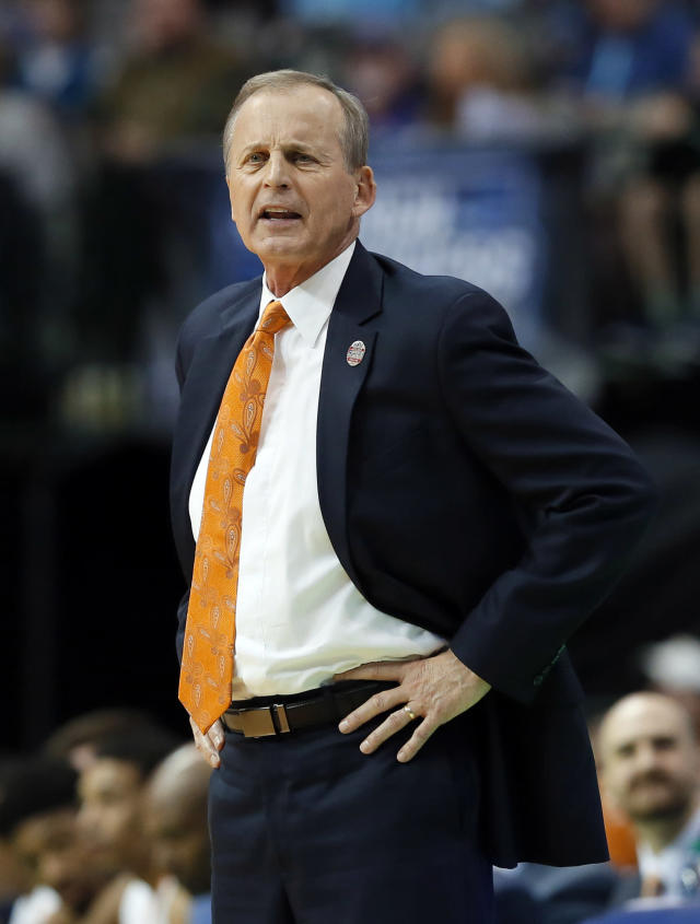 Tennessee head coach Rick Barnes instructs his team in the second half against Wright State in a first-round game at the NCAA college basketball tournament in Dallas, Thursday, March 15, 2018. (AP Photo/Tony Gutierrez)