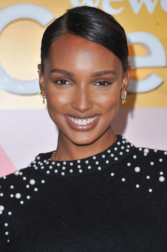 <p>Jasmine Tookes shows off how glam earth tones can look. Try deep pinky-browns and golds on darker skin tones, and beiges and bronzes on fairer ones.</p>
