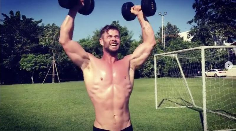 Chris Hemsworth malhando (Instagram)