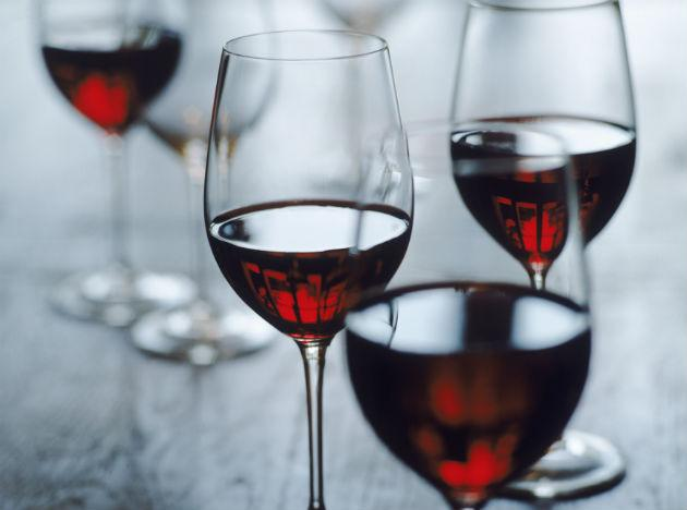 <b>Drink Red Wine:</b> Red wine is made from skin of grapes which contains resveratrol and other phytochemicals that have antioxidant and anti inflammatory properties. Researches show that a glass of wine a day can prevent a wide range of cancers like leukaemia, skin as well as breast cancer.