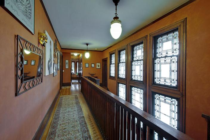 The Heller House features intricate glasswork, as do numerous Wright properties.