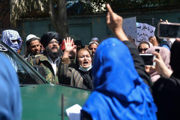 Crowds of Afghans were fighting back against Pakistan after Panjshir alleged fell (Photo: HOSHANG HASHIMI via Getty Images)