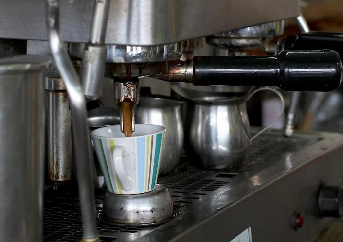 Scientists have announced recently that three to five cups of coffee daily do not have long-term health risks (AFP Photo/Joe Raedle)