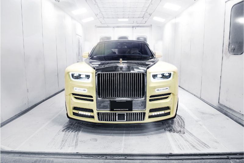Drake's New Rolls-Royce has a Golden Owl with Diamond Eyes as its Hood Ornament