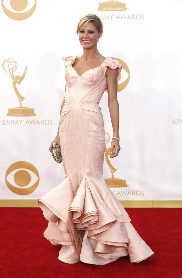 "Actress Julie Bowen from ABC's series ""Modern Family"" arrives at the 65th Primetime Emmy Awards in Los Angeles September 22, 2013. REUTERS/Mario Anzuoni (UNITED STATES Tags: ENTERTAINMENT) (EMMYS-ARRIVALS)"