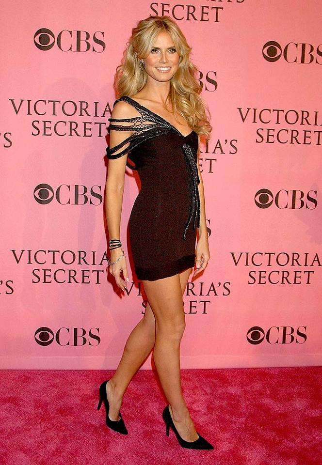 "Heidi Klum walks the pink carpet before strutting her stuff in the Victoria's Secret Fashion Show. Gregg DeGuire/<a href=""http://www.wireimage.com"" target=""new"">WireImage.com</a> - November 15, 2007"