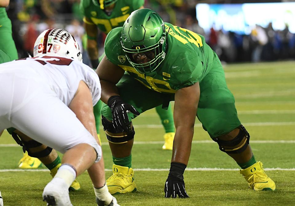 EUGENE, OR - SEPTEMBER 22: University of Oregon OL Penei Sewell (58) at the line of scrimmage during a college football game between the Oregon Ducks and Stanford Cardinal on September 22, 2018, at Autzen Stadium in Eugene, Oregon.(Photo by Brian Murphy/Icon Sportswire via Getty Images)