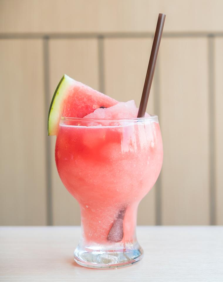 <p>1 cup watermelon chunks<br /> 1 cup of ice<br /> 1 oz vodka<br /> 2 tsp freshly squeezed lime juice<br /> 1 tsp sugar (optional)<br />Throw the watermelon, vodka, lime juice, and sugar (optional) in a blender. Blend well till it is pureed. Add the ice and blend again till you get a slushy texture. Garnish with a watermelon slice or some fresh mint leaves.<br /> Photograph: Mrsiraphol / Freepik </p>