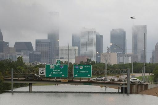 Houston floods spark chaos, much more rain to come