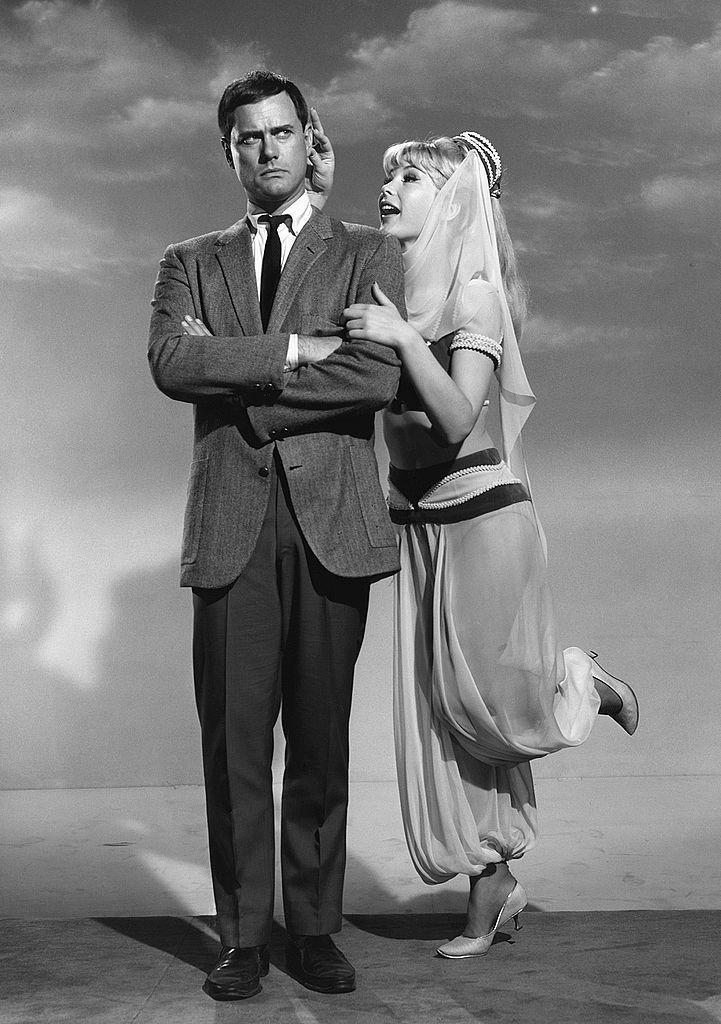 <p>Play the part of one of TV's favorite couples. You'll get extra candy if you do Jeannie's signature blink. </p>