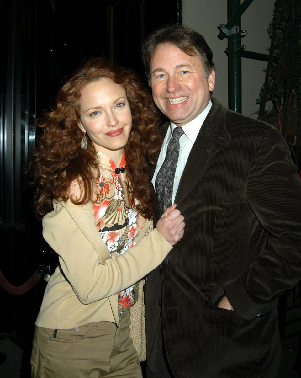 Amy Yasbeck and John Ritter at the Metronome in New York City in 2003. (Photo: Carmen Valdes/Ron Galella Collection via Getty Images)