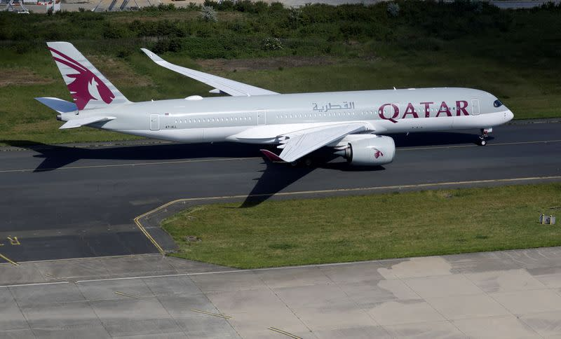 Qatar Airways agrees delivery delays with Airbus, still talking to Boeing
