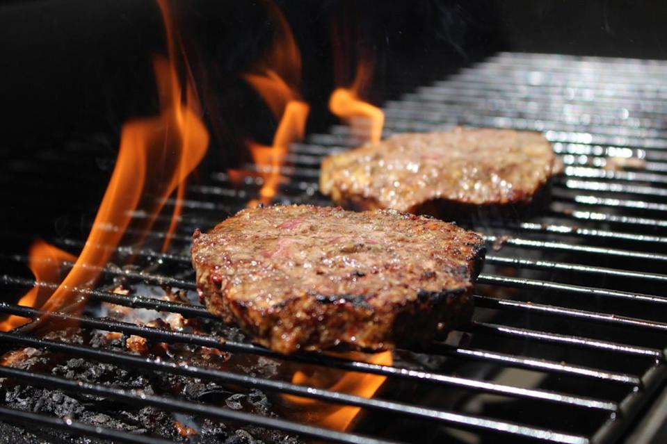 <p>It's tough to substitute the beef patty with other alternatives if you're a meat lover. But, by opting for a leaner beef or making sure you cook the patties well-done, a lot of the fat content will be released while it's on the grill. <i>(Photo Credit: Getty Images)</i><br></p>