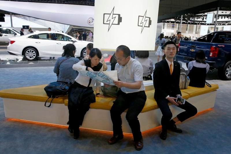 Amid trade rift, China to allow full foreign auto ownership