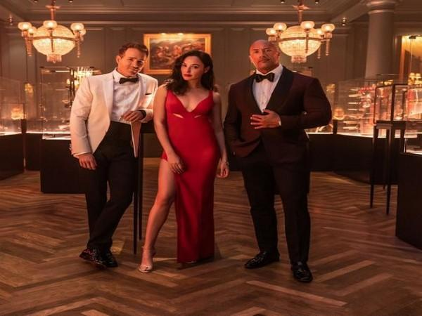 Cast of 'Red Notice' Ryan Reynolds, Gal Gadot and Dwayne Johnson. (Image Source: Twitter)