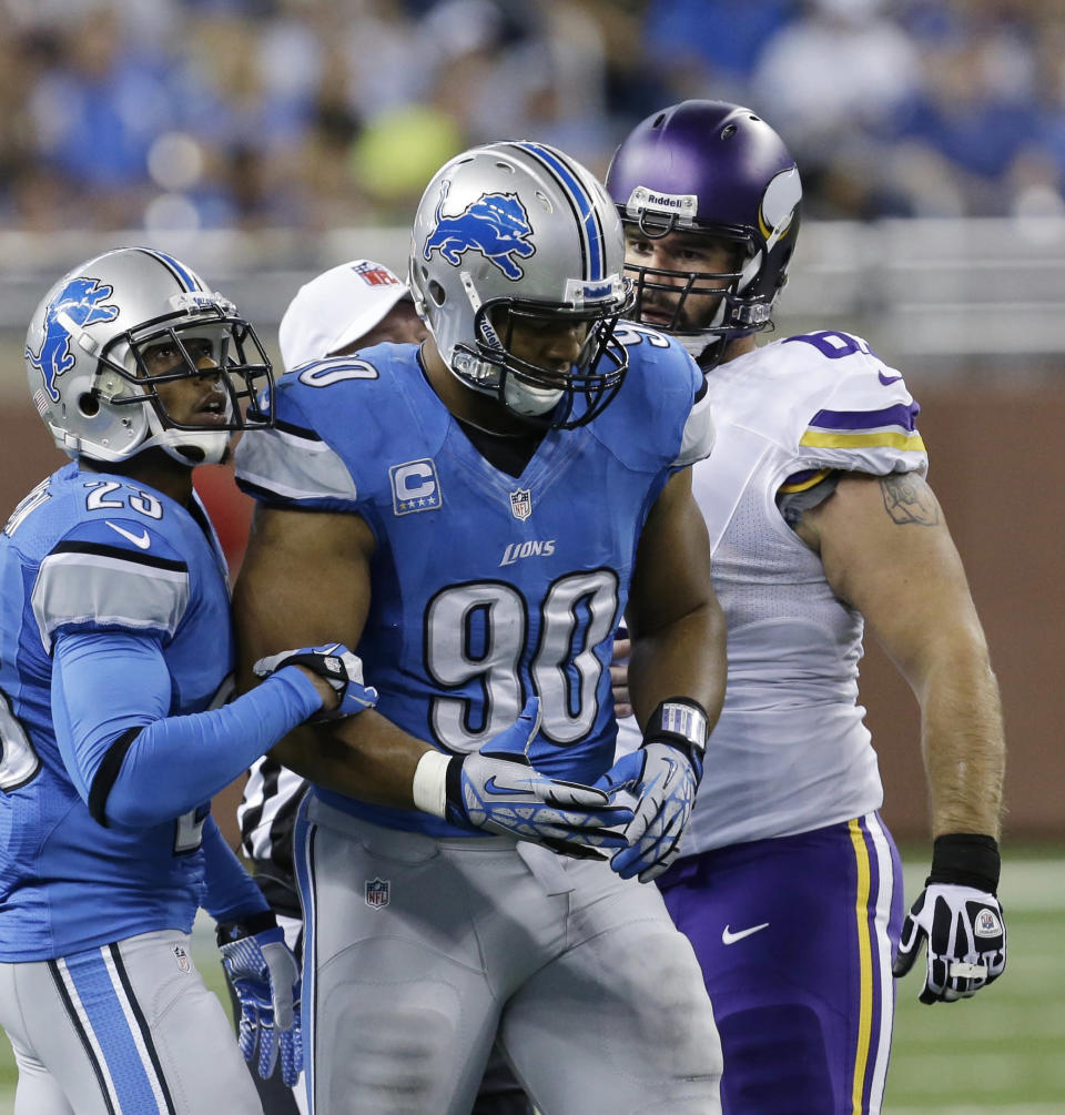 Lions DT Suh suspended for playoff game