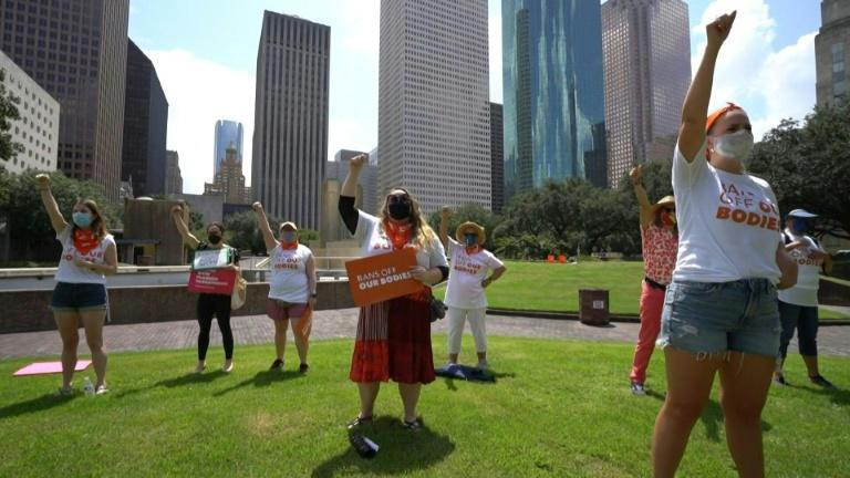 Protests in Houston against a near-total abortion ban in Texas (AFP/Cécile CLOCHERET)