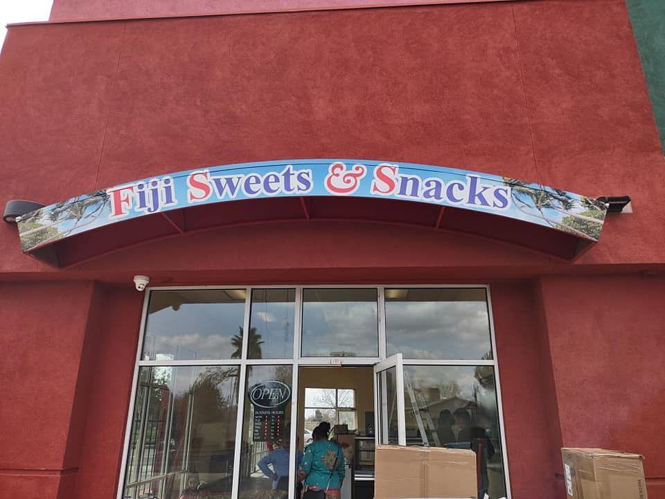 """<div class=""""paragraphs""""><p>A Fijian Indian store in Bay Area.</p></div>"""
