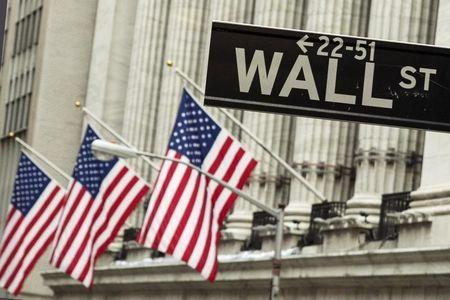 U.S. futures pointed to a higher opening bell on Thursday.