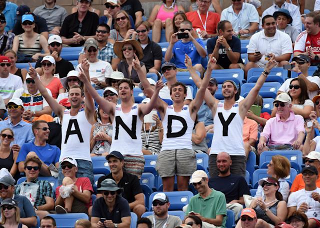 Fans of Andy Murray of Great Britian cheer during his match against Andrey Kuznetsov of Russia at the 2014 US Open August 29, 2014 in New York (AFP Photo/Timothy A. Clary)