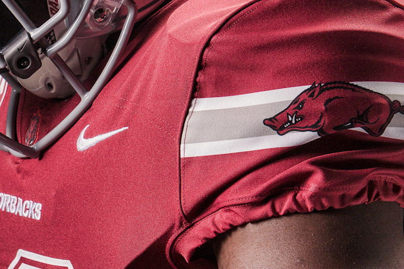 Arkansas Unveils Dallas Cowboys-Themed Uniforms