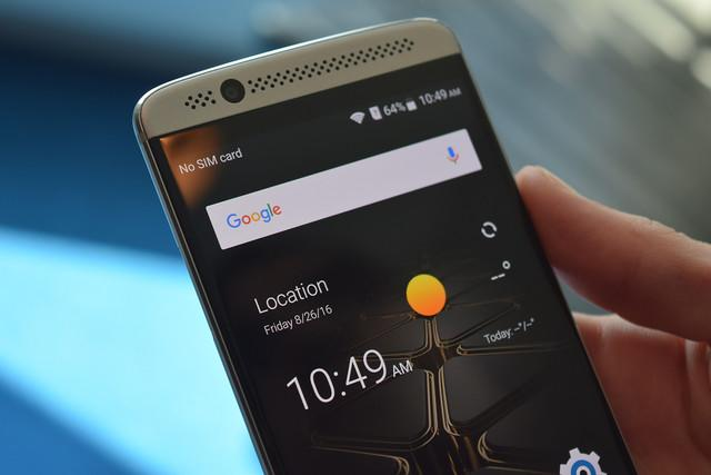 zte axon mini news hands on