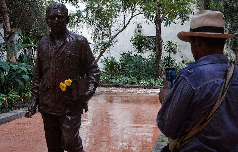 A statue of late Colombian writer, journalist and Nobel Prize for Literature 1982 Gabriel Garcia Marquez is unveiled in Havana, on February 16, 2017