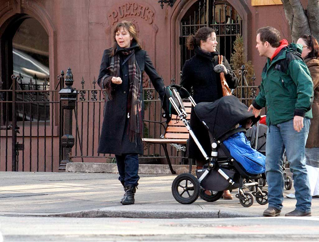 "The casual couple and their 1-year-old daughter will most likely spend the holidays in New York with Maggie's famous brother, Jake. JSB/<a href=""http://www.x17online.com"" target=""new"">X17 Online</a> - December 11, 2007"