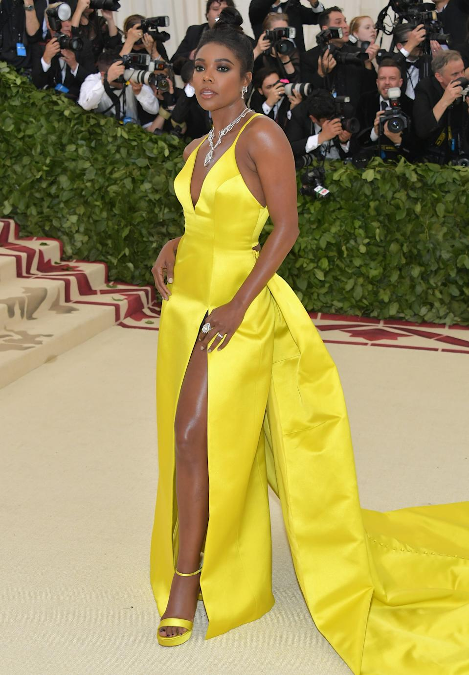 """<h1 class=""""title"""">Gabrielle Union in Prabal Gurung and Tasaki jewelry</h1><cite class=""""credit"""">Photo: Getty Images</cite>"""
