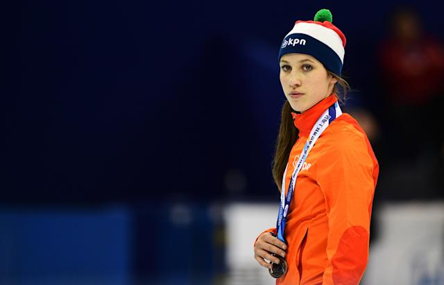 <p>Third placed Suzanne Schulting of the Netherland poses during the medal ceremony of the women's 1500m final at the ISU World Cup Short Track speed skating event in Shanghai December 10, 2016. / AFP / Johannes EISELE (Photo credit should read JOHANNES EISELE/AFP/Getty Images) </p>