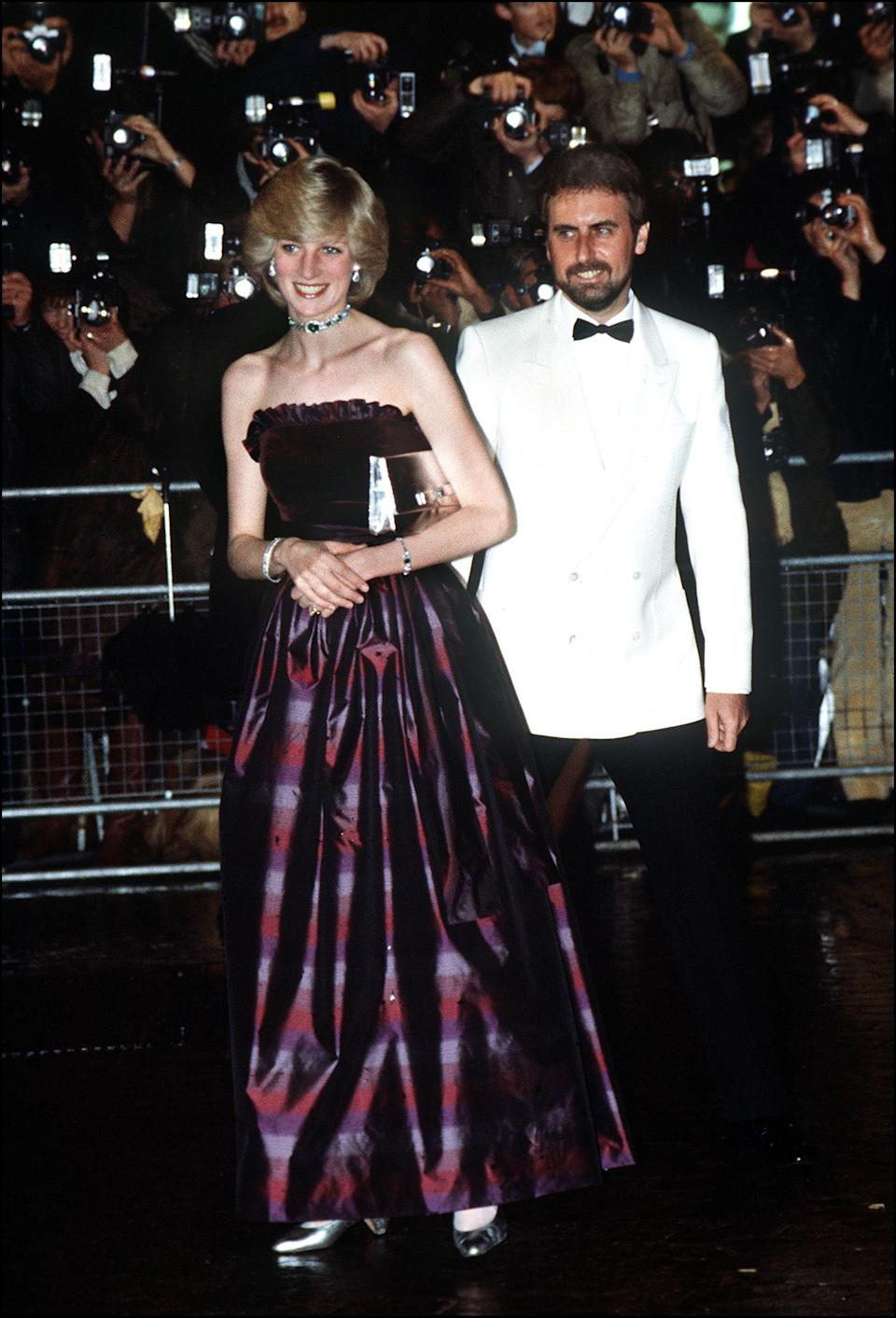 <p>A cold-shoulder Gina Frattini dress proved the perfect choice back in 1982. <em>[Photo: Getty]</em> </p>