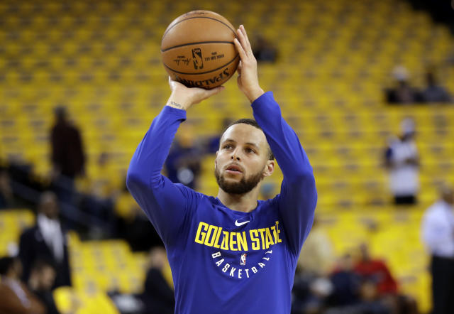 "<a class=""link rapid-noclick-resp"" href=""/nba/players/4612/"" data-ylk=""slk:Stephen Curry"">Stephen Curry</a> gets some work in prior to sitting out Game 1 against the <a class=""link rapid-noclick-resp"" href=""/nba/teams/nor"" data-ylk=""slk:New Orleans Pelicans"">New Orleans Pelicans</a>. (AP)"