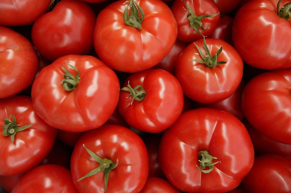 <p>Don't blame us for ruining your road trip diet. Tomatoes are highly acidic and can upset your stomach. Even though everyday is a pizza day, it's probably best to skip on your next road trip. </p>