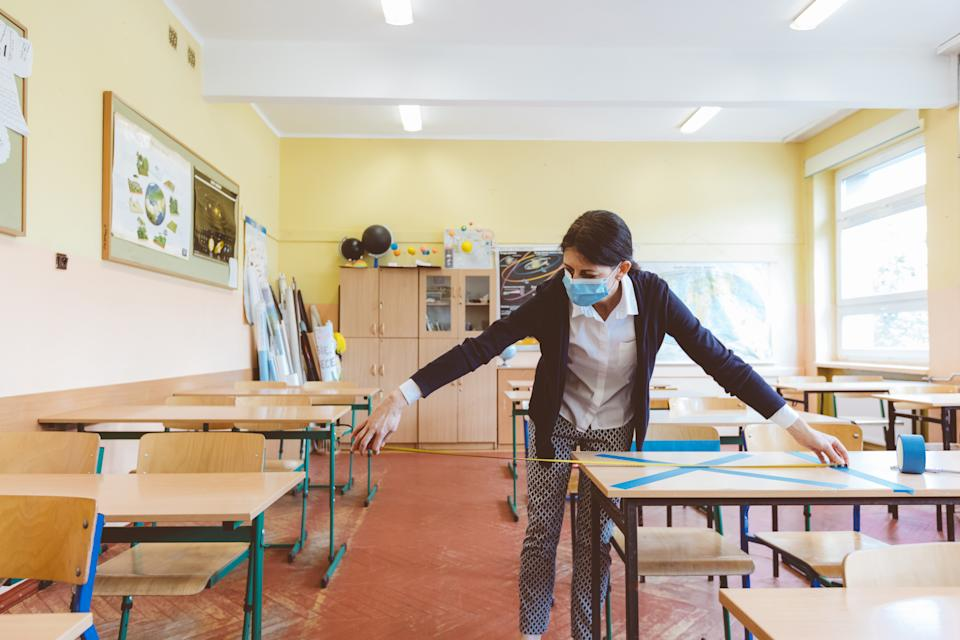 President Trump is pressuring schools to return to in-person classrooms this fall. Here's what physicians, epidemiologists and teachers say needs to happen to get there. (Getty Images)