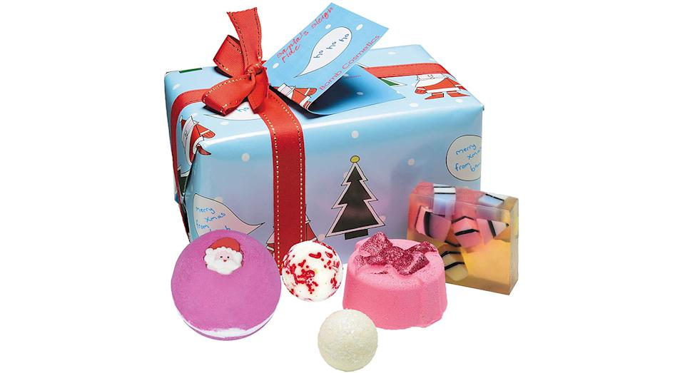 Bomb Cosmetics Santa's Sleigh Ride Handmade Wrapped Bath and Body Gift Pack