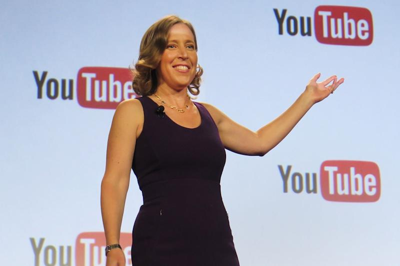 YouTube will begin selling ads in live TV service