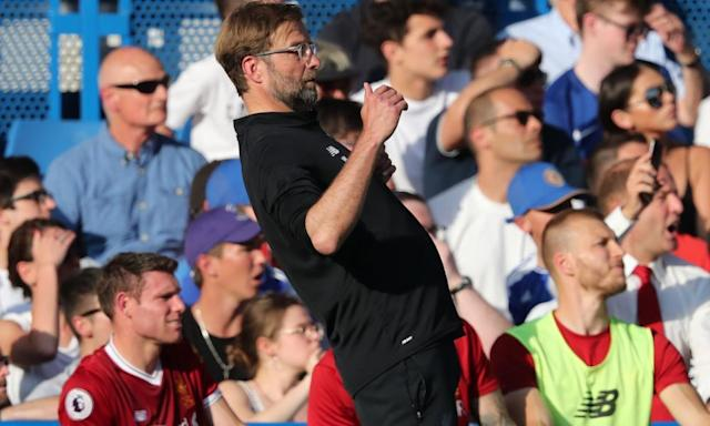 Jürgen Klopp shows signs of strain at prospect of extreme late swing