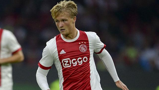 """<p><strong>Transfer: Ajax to Monaco</strong></p> <br><p>Ajax may end up nearing Siem de Jong more than they realise, with Monaco not giving up on their <a href=""""http://www.90min.com/posts/5436908-ajax-reject-offer-of-over-50m-from-ligue-1-club-monaco-for-striker-kasper-dolberg"""" rel=""""nofollow noopener"""" target=""""_blank"""" data-ylk=""""slk:chase"""" class=""""link rapid-noclick-resp"""">chase</a> of Danish striking sensation Kasper Dolberg, despite having a bid in excess of €50m rejected by the Eredivisie side. </p>"""