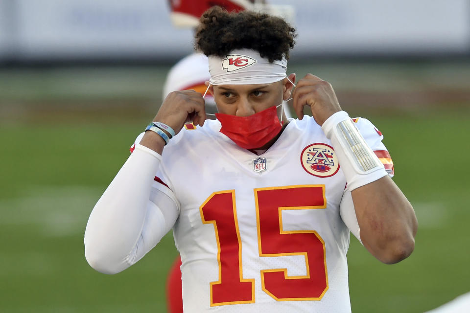 If the Chiefs and quarterback Patrick Mahomes make it back to the Super Bowl, it's unlikely they or any other players will have been vaccinated against COVID-19 by then, according to the NFLPA's medical director. (AP Photo/Jason Behnken)