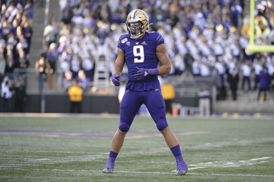 SEATTLE, WA - NOVEMBER 02: Washington Huskies linebacker Joe Tryon (9) looks to the sidelines during a PAC12 Conference game between the Washington Huskies and the Utah Utes on November 2, 2019, at Husky Stadium in Seattle, WA. (Photo by Jeff Halstead/Icon Sportswire via Getty Images)