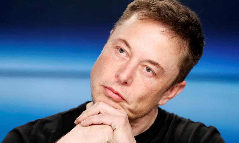 The entrepreneur Elon Musk has responded to negative headlines by lashing out at the news media and individual journalists.