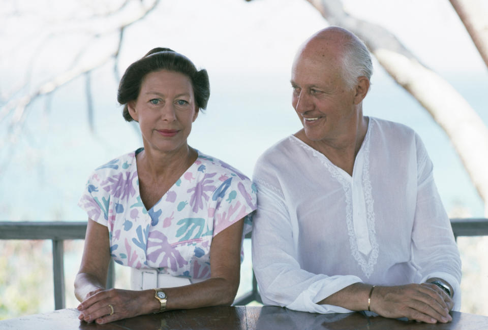 Princess Margaret (1930 - 2002) with Colin Tennant, 3rd Baron Glenconner, on the Caribbean island of Mustique, which Glenconner owns, February 1989. (Photo by Slim Aarons/Hulton Archive/Getty Images)