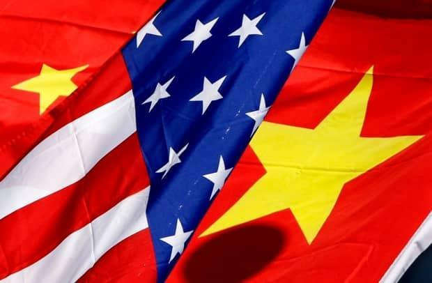 The national flags of the U.S. and China are seen in this file photograph. Meng Wanzhou's defence team says the U.S. cannot exert jurisdiction over fraud alleged to have taken place in Chinese territory.