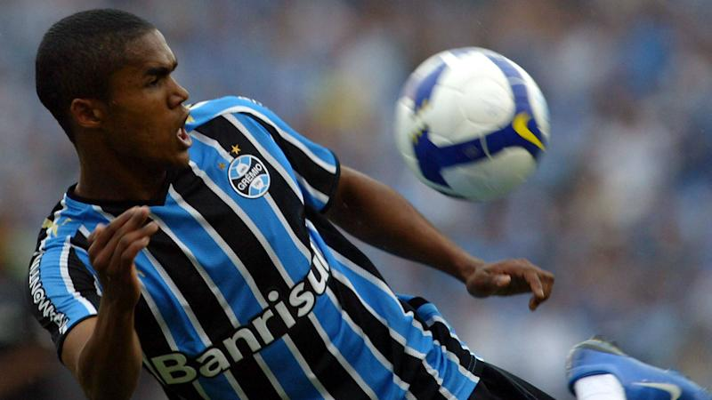 ONLY GERMANY Douglas Costa Gremio