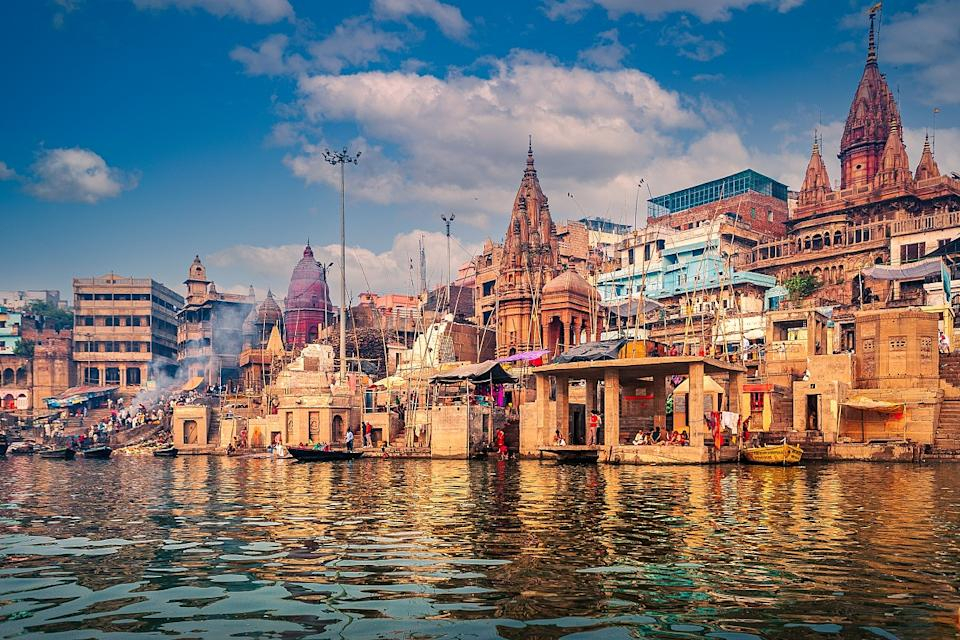 Stretching from the Himalayan foothills to the Bay of Bengal, it provides water to nearly half a billion people, more than any other river in the world