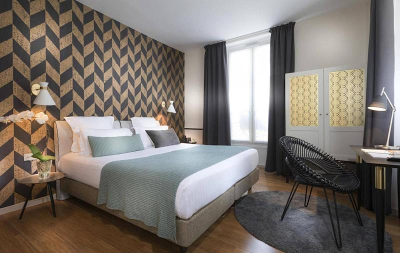 Recently refurbished and in one of the city's hippest areas (Hotel Joan of Arc)
