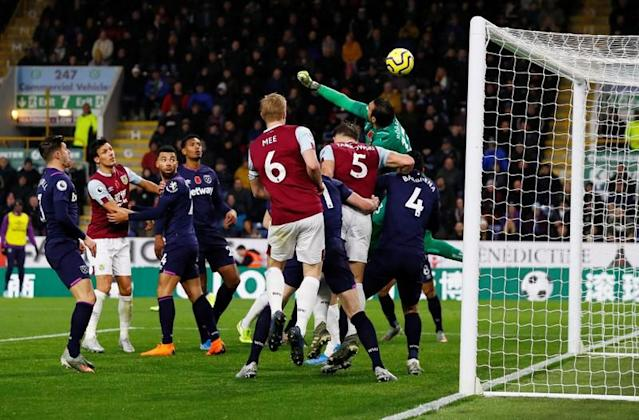 Premier League - Burnley v West Ham United