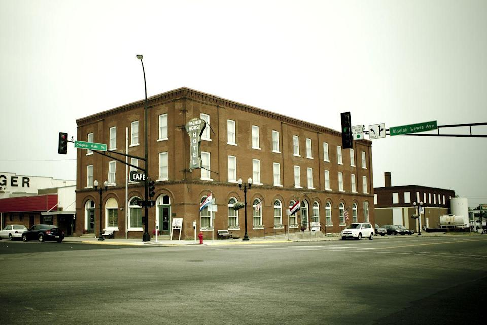 """<p>A perennial favorite on Best Haunted Hotel lists, this former saloon and brothel is reported to be regularly visited by at least ten spirits, including one with a propensity for turning faucets off and on. Among the property's many """"Haunt Happenings,"""" is an annual paranormal conference. </p><p><a class=""""link rapid-noclick-resp"""" href=""""https://go.redirectingat.com?id=74968X1596630&url=https%3A%2F%2Fwww.tripadvisor.com%2FHotel_Review-g43509-d142145-Reviews-Palmer_House_Hotel-Sauk_Centre_Minnesota.html&sref=https%3A%2F%2Fwww.countryliving.com%2Flife%2Ftravel%2Fg2689%2Fmost-haunted-hotels-in-america%2F"""" rel=""""nofollow noopener"""" target=""""_blank"""" data-ylk=""""slk:PLAN YOUR TRIP"""">PLAN YOUR TRIP</a></p>"""