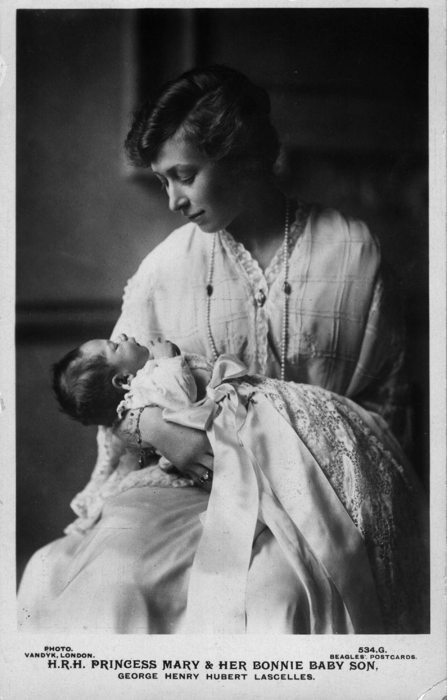 """<p>By the 1920's, maternity wear had softened. Fashionable drop waist silhouettes had a looser fit that made expecting mothers feel <a href=""""https://www.elle.com/fashion/personal-style/g28423/maternity-style-evolution/?slide=24"""" rel=""""nofollow noopener"""" target=""""_blank"""" data-ylk=""""slk:much more comfortable"""" class=""""link rapid-noclick-resp"""">much more comfortable</a>. </p>"""