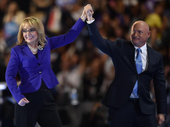 mark kelly gabrielle giffords 2016